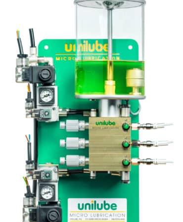 Zeigt ein Schmiersystem der Baureihe Ecolube, für den Einsatz von Minimalmengenschmierung.